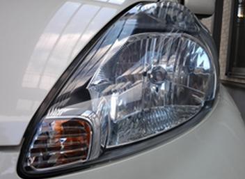 車のヘッドライト施工について